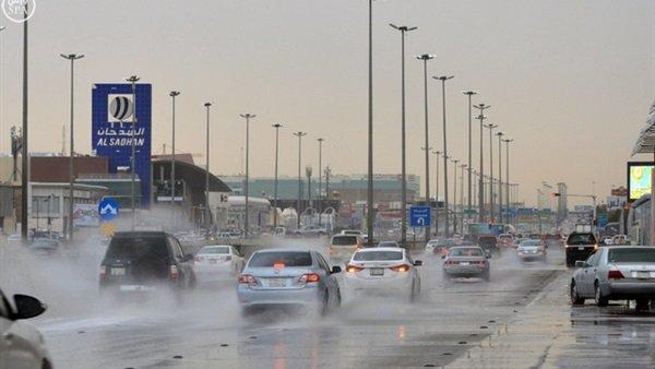 الأرصاد تحذر من تقلبات مفاجئة غداً وانخفاض كبير في الحرارة وأمطار ورياح شديدة وبرد العجوز