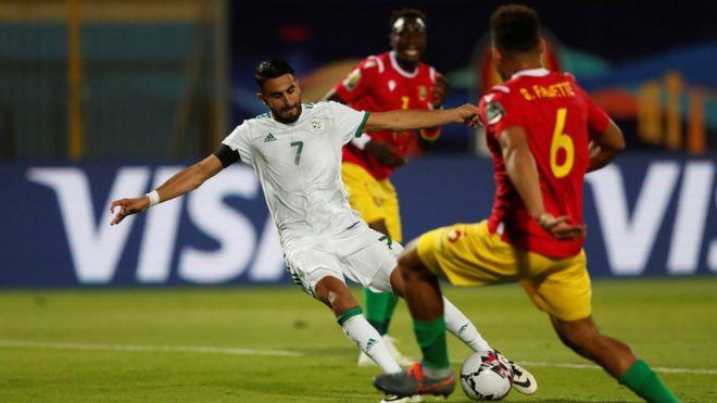 دور الـ 16 من أمم إفريقيا .. تعرف على نتيجة مباراة الجزائر ضد غينيا