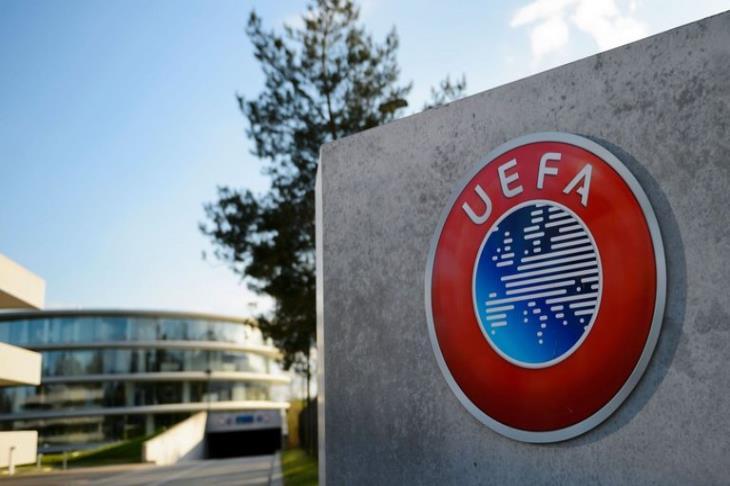 تم تعليق الكرة الإيطالية وتصريحات عن إلغاء دوري الأبطال والدوري الأوربي بسبب كورونا
