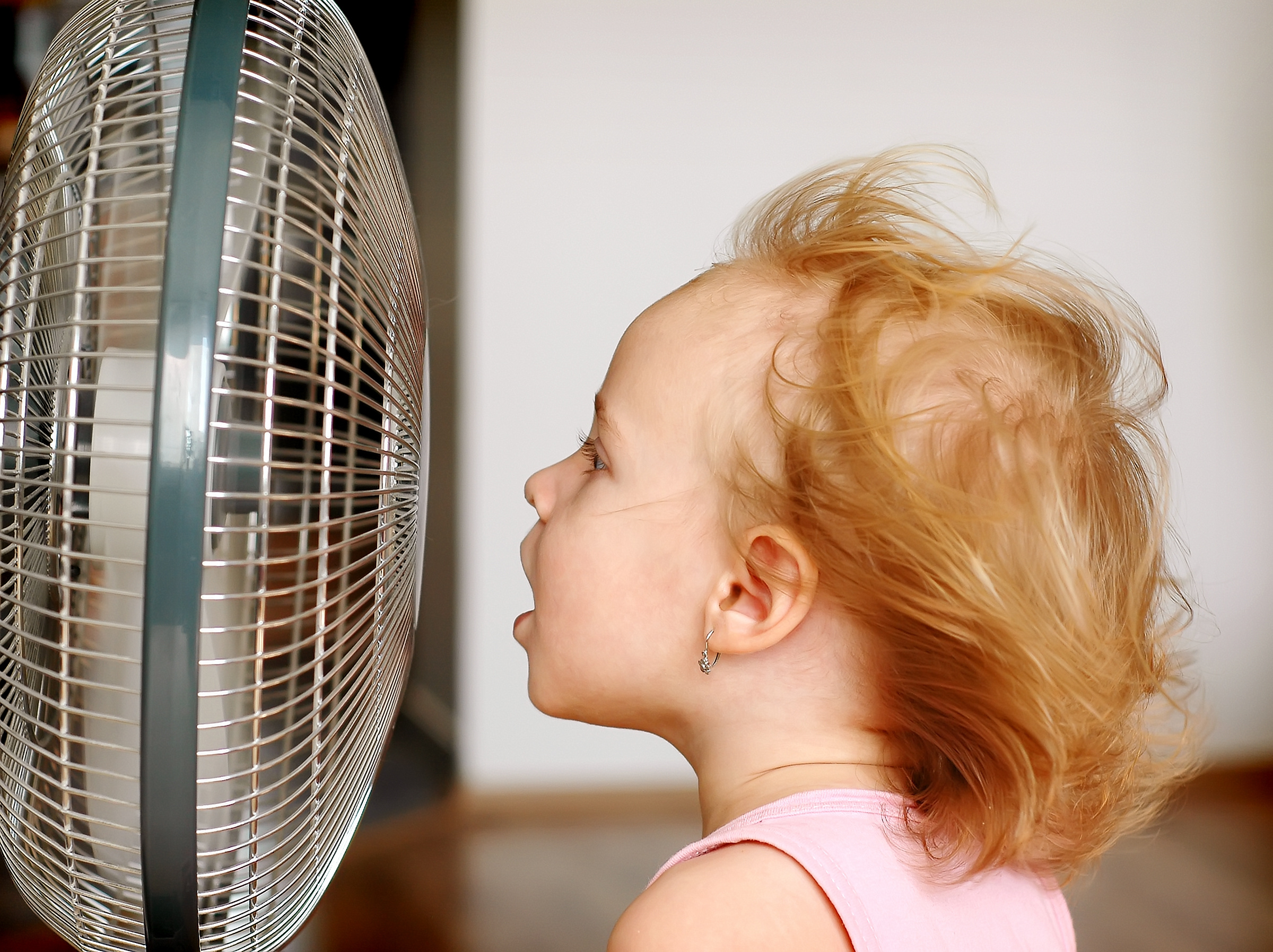 دراسة بريطانية تحذر من النوم في هواء المراوح والمكيفات