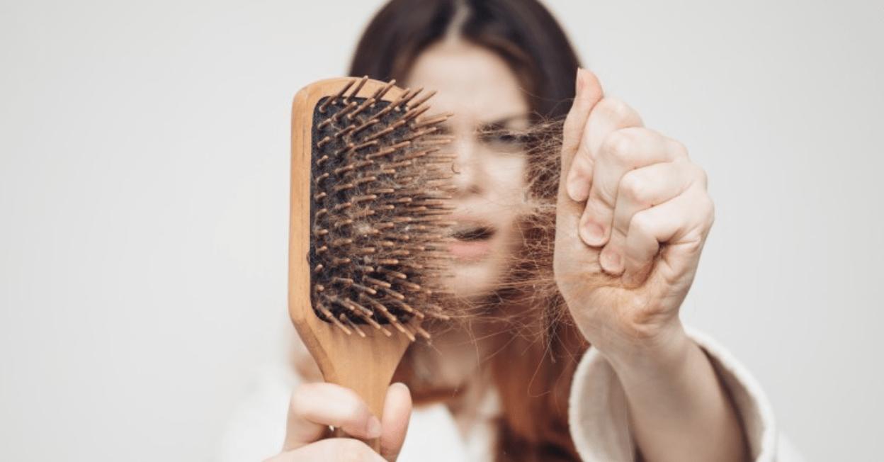 تساقط الشعر ...أسبابه والطرق المثالية لعلاجه
